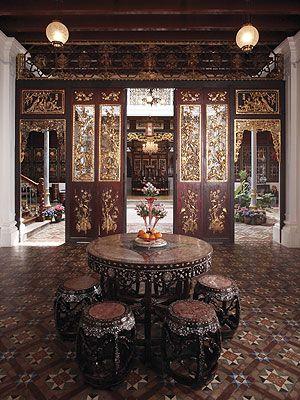 Tradicionális, kínai stílusú szállodai belsőépítészet. Penang, Malajzia