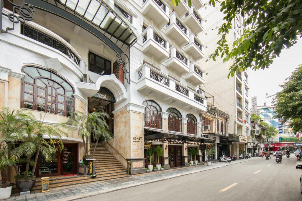 A Babylon Grand hotel & SPA szálloda Hanoi belvárosában.