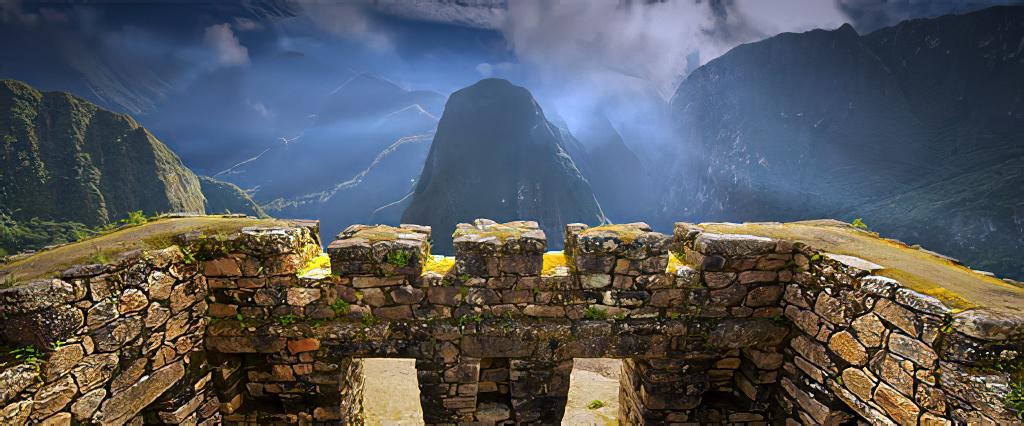 Az Inka birodalom emlékei az Andok hegyei közt Cusco közelében Peru területén